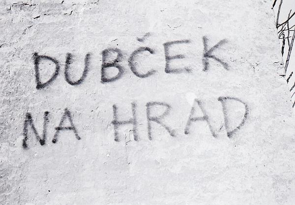 12_dubcek_na_hrad.bmp_.jpg