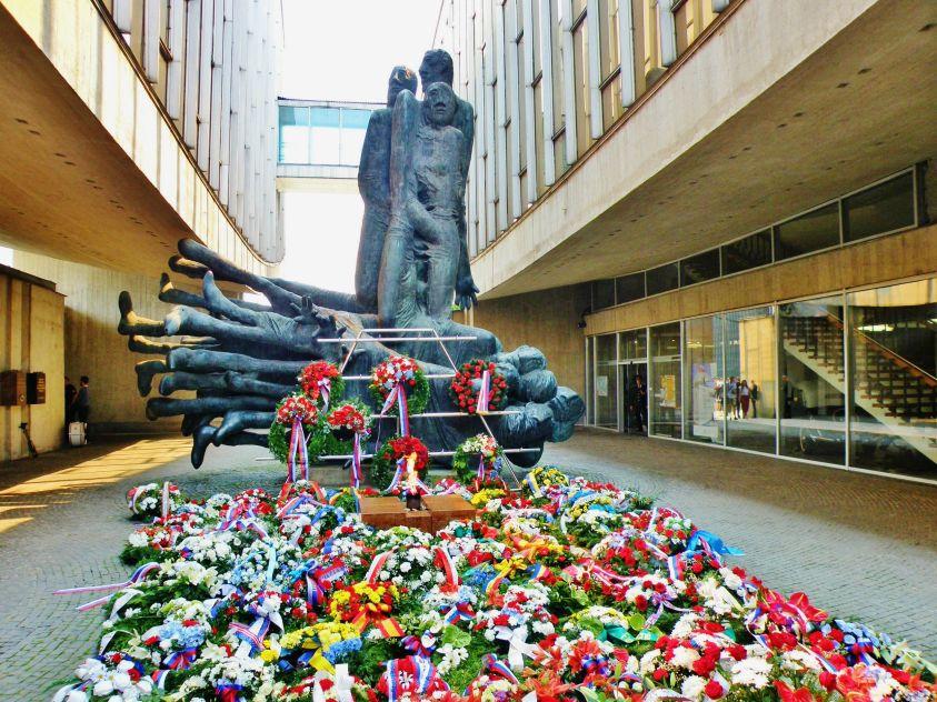 muzeum_a_pomnik_snp_v_banskej_bystrici_oslavy_29._augusta_2018_843.jpg