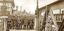 straz_legionaru_z_italie_na_bratislavskem_moste_2.jpg