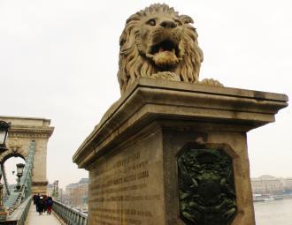 3 Budapešť Reťazový most.JPG