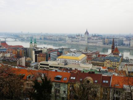 11 Budapešť pohľad z Rybárskej bašty.JPG