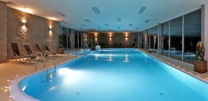 1_park_hotel_piestany_plavecky_bazen.jpg