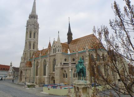 6 Budapešť Kostol M. Korvína.jpg