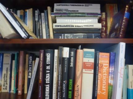 Knihy.jpg