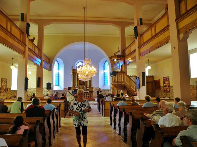 9_cast_spomienkovych_oslav_sa_vlani_odohrala_v_evanjelickom_kostole_kde_stefanika_v_juli_1880_pokrstili.jpg