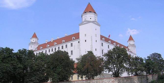 bratislava_hrad.jpg