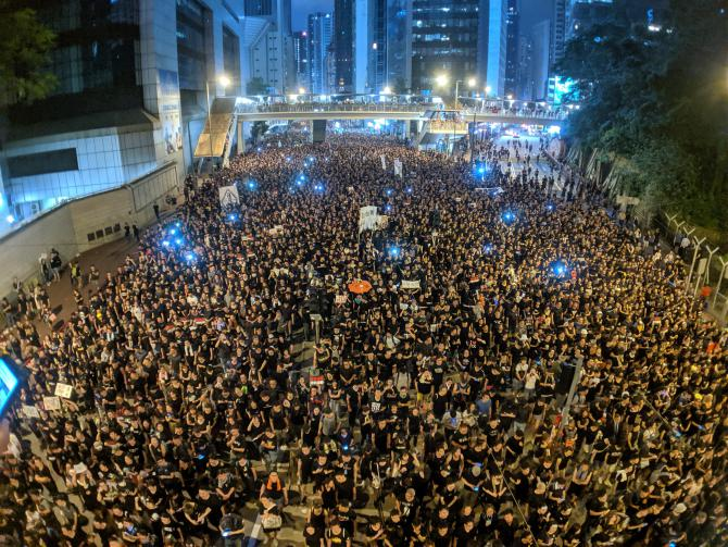 hong-kong-anti-extradition-bill-protest-03.jpg