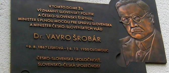 srobarova_tabula_v_prahe-detail.jpg