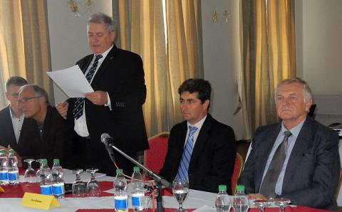01_predsednictvo_seminara_szvta_v_hokovciach.jpg