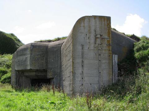 1024px-bunker_in_alderney.jpg