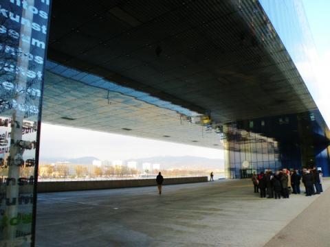 13_najvacsie_muzeum_moderneho_umenia_v_rakusku_lentos_otvorili_v_roku_2003.jpg
