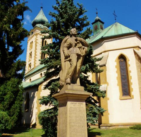13_pollakova_socha_janka_krala_pri_kostole_sv._miklasa_v_liptovskom_mikulasi_600x584.jpg