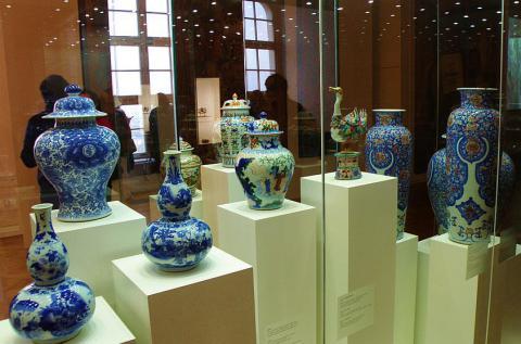 15_orientalny_porcelan_zo_zbierok_statneho_muzea_v_peterhofe._-_kopia.jpg