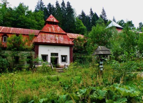 27_korytnica_kupelne_budovy_600x431.jpg