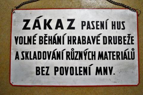 zakaz_paseni_hus.jpg